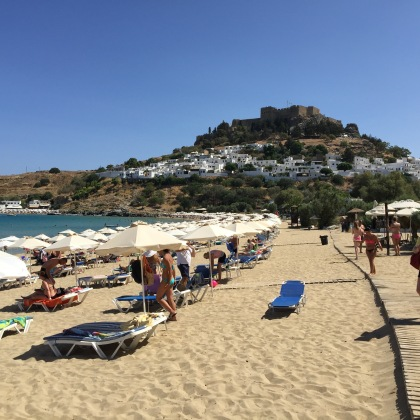 Very popular with tourists of course. View of the Akropolis from the beach.